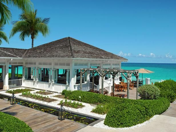 You've worked hard to plan the perfect wedding, now it's time to unwind with an indulgent honeymoon. If visions of azure waters, warm breezes and powder-soft sand are dancing through your head, make these dreams reality with a Bahamas honeymoon.
