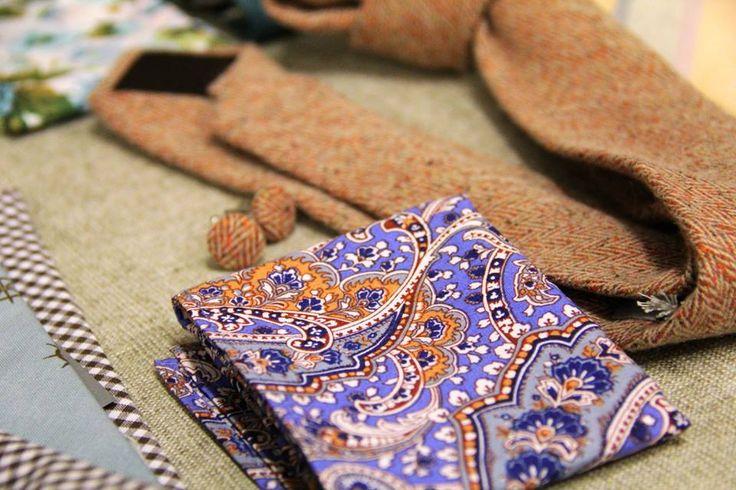 Woolen necktie,cufflinks and pocket square combo. Fashion market Prague.