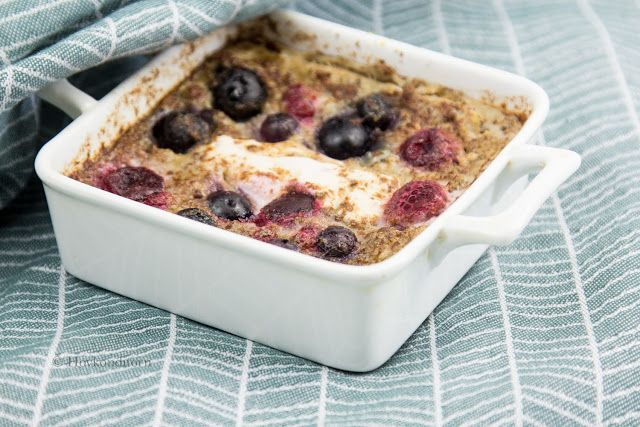 Oven baked Porridge with Quark and Berries