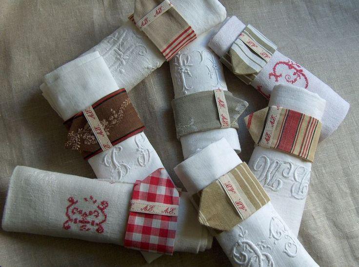 Ronds de serviette tissus anciens ruban initiales ou à faire avec des chutes de tissus...