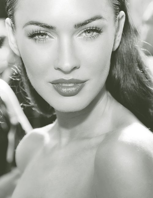 The beautiful Megan Fox, I will dare to try and  get fake lashes and thicken my eye brows. Hope my boyfriend don't mind it ;)