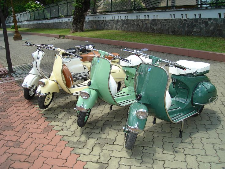 Vintage Vespas!! One day I'll be lucky enough to be the proud owner of one...I hope!! I <3 them so much!