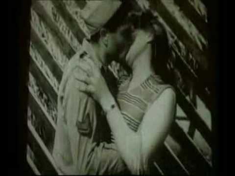 Otra película que me impactó, Cinema Paradiso. Aquí la famosa secuencia final de los besos