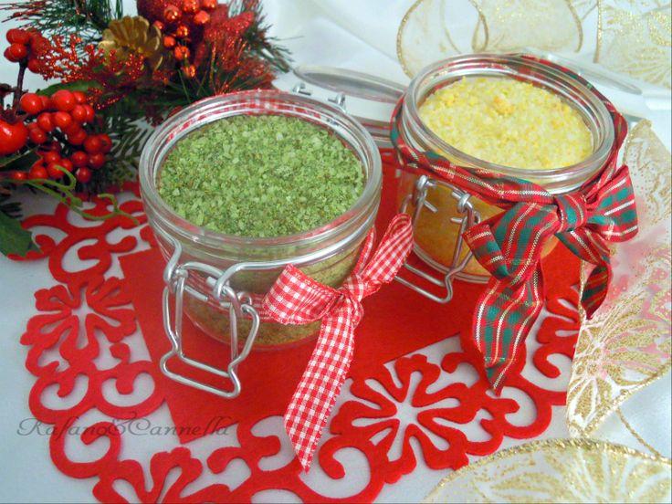Il sale aromatizzato è una conserva casalinga molto utile nei mesi invernali, quando non abbiamo a disposizione le erbe aromatiche per insaporire i nostri piatti.
