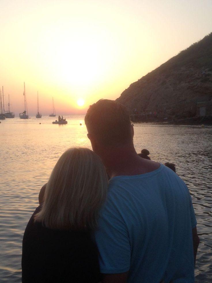 Ibiza 2015! Samen romantische dingen doen, hier oa naar zonsondergang kijken! ❤️ Was een super vakantie!