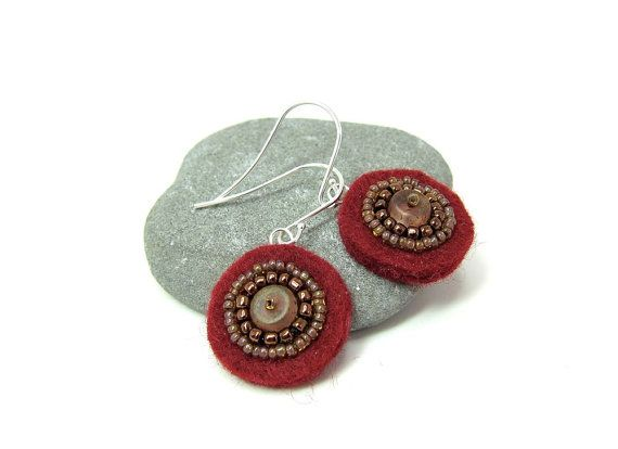 RESERVED FOR RUTH Felt Earrings in Burgundy and Browns por aimeere