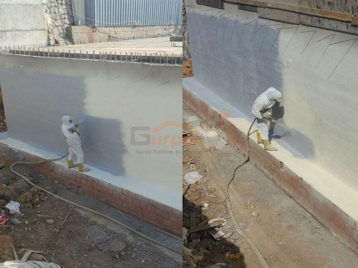 Temel perde beton üzerine uygulanan klasik su ve ısı yalıtım uygulamalarında kullanılan izolasyon ürünlerinin ek yeri barındırması sıcak soğuk ortam şartlarında ek yerlerinin açılabilmesi ve kötü işçilikten kaynaklı diğer olasılıkları göz önünde bulundurduğumuz taktirde bu uygulamalar zamanla yalıtım görevi göremez hale gelir ve binanın temelinde perde betonlarında su kaçakları meydana gelir buda binanın güçsüzleşmesine ve