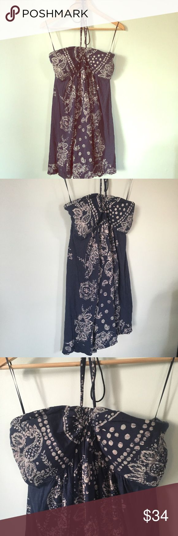 "AE outfitters Bandana dress Navy White Size XL AE outfitters Bandana dress Navy blue White, neck straps Size XL . Attached bra. Great for festival and the beach. 100% cotton. Length chest to hem 28"", chest laying flat 15.5"", stretch back up to 19"". American Eagle Outfitters Dresses Mini"
