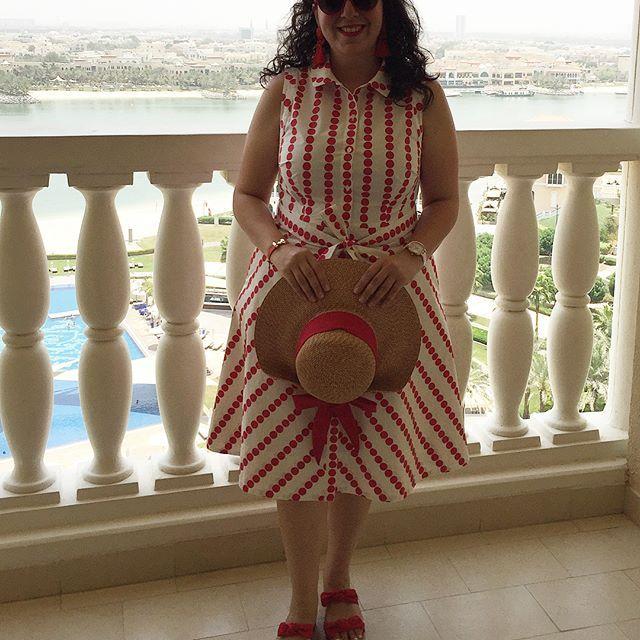 TRAVEL 🎀 Keep Calm and relaxing in Dubaï & Abu Dhabi 🌞⛲️🌴🐪🏝🦅🌜😌🌛 . . #VvVoyages . #VerasOutfits . #VeralovesTedBaker . . . #travel #travelgram #abudhabi #trip #holiday #vacation #red #flowers #boden #derhy #tedbaker #tedtotoe #pompom #❤️ #bow #preppy #preppystyle #preppygirl #preppyfashion #theritz #dot