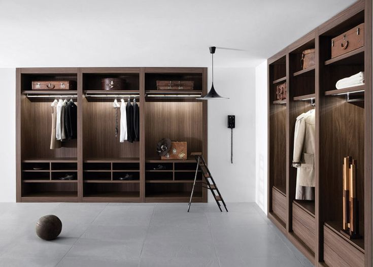 Sipario Walk In Closet By Pianca. Versatile Combinations Of Modular Walk In  Closets. Compartments Equipped With A Wide Range Of Pull Out Accessories  Allow ... Pictures Gallery