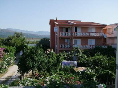 Cheap Hotels in Ulcinj  Curani Guesthouse Hotel