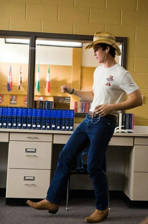 Footloose 2011: He is the best part of the whole damned movie!