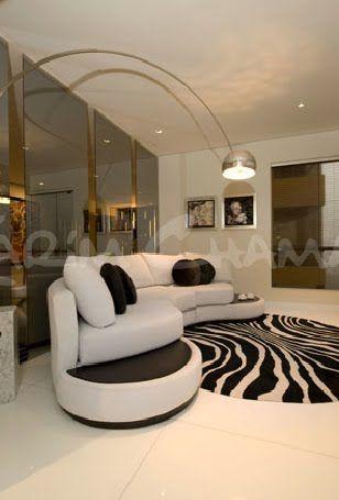 Sala moderna elegante y lujosa con amplio comedor video - Comedor decoracion moderna ...