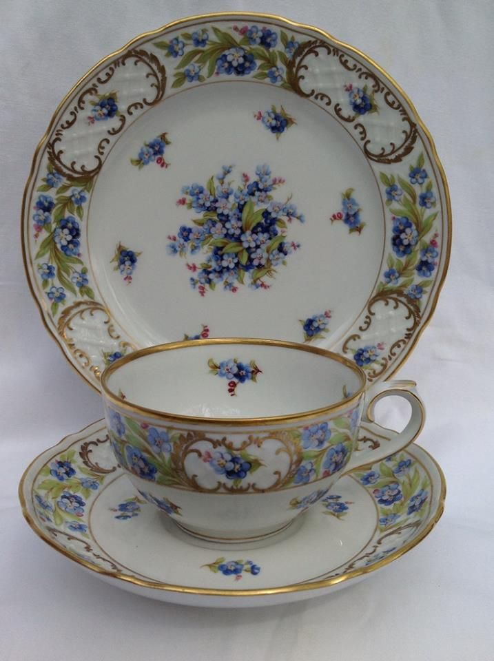 Vintage Schumann Arzberg Bavaria Germany Tea Cup and Saucer and desert plate - c. 1945 - 1949