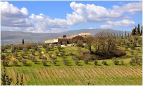 √ Agriturismo in Tuscany, Farmhouse in Siena, Farmholidays rooms for vacation in Agriturismo in Toscana
