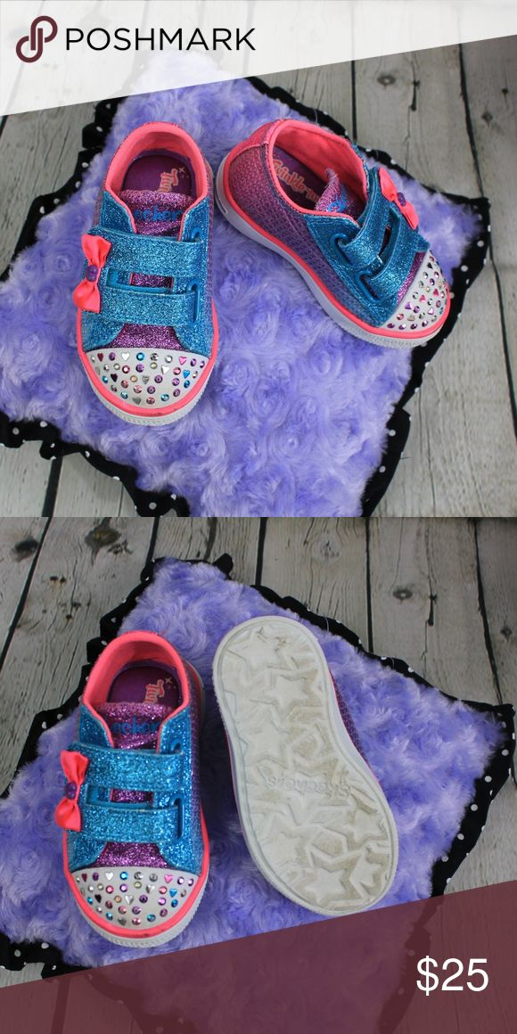 Skechers Twinkle Toes Sneakers Skechers Kids Girls Twinkle Toes Breeze-Sweet Starlet Sneaker Toddler size 5. Super cute light up sneakers that is a must have for every little DIVA! Used, Like new condition Skechers Shoes Sneakers