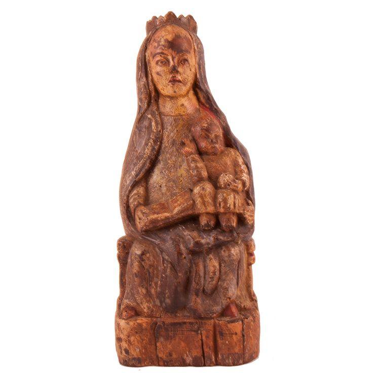 """ESCUELA POPULAR ESPAÑOLA S, XX """"Virgen con niño"""". Talla en madera policromada. Medidas: 32 x 13,5 x 13,5 cm."""
