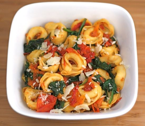 cheese tortellini with spinach & tomatoes
