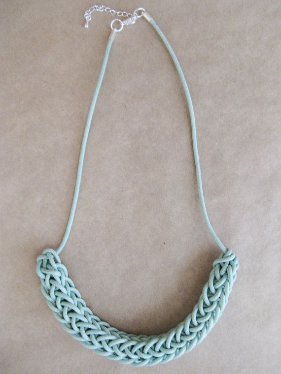 Love this simple waxed cotton necklace, in such a sweet shade too. Basically i-cord.