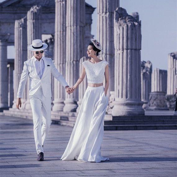 새로운 스튜디오 테마 웨딩 커플 사진 의류 위치 도시 거리 촬영 여단 흰색 드레스 분할을 이길보기
