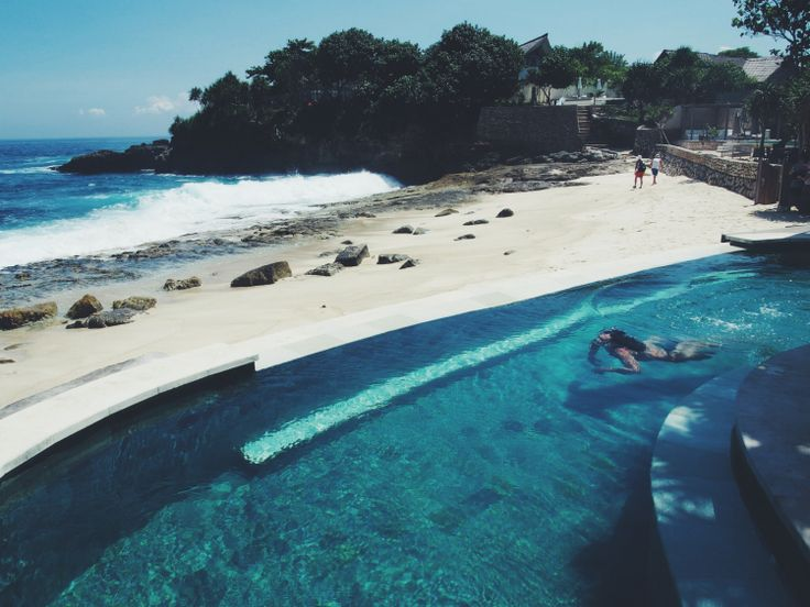 The Beach Club at Sandy Bay, Nusa Lembongan Island, Bali | http://wander-full.com/2014/07/02/sandy-bay/