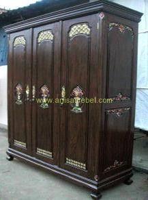 http://anisamebel.com/lemari-pakaian-minimalis-jati-3-pintu/