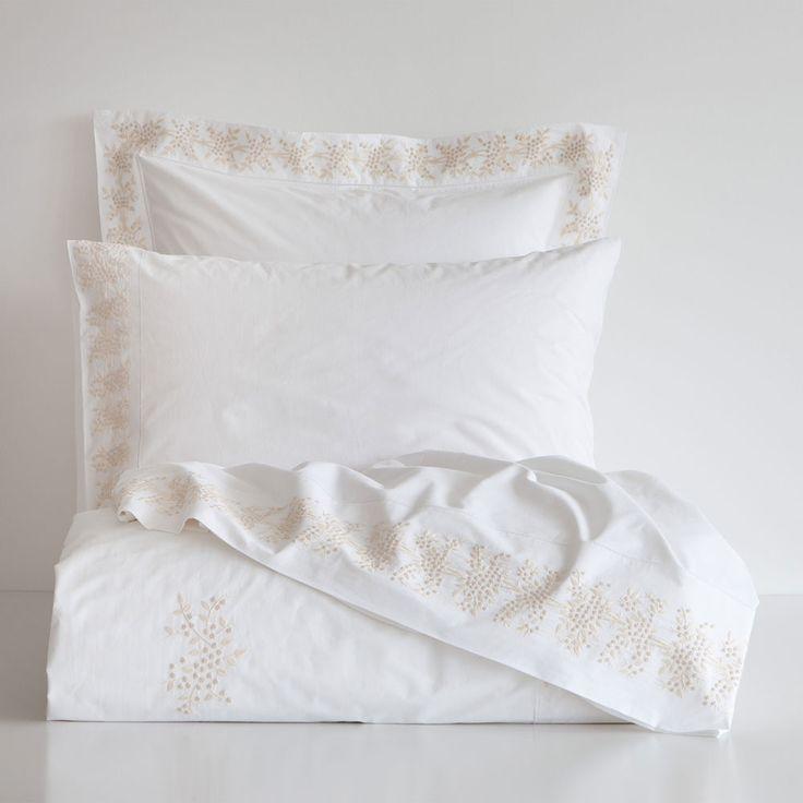 les 20 meilleures id es de la cat gorie soldes linge de lit sur pinterest lit soldes soldes. Black Bedroom Furniture Sets. Home Design Ideas