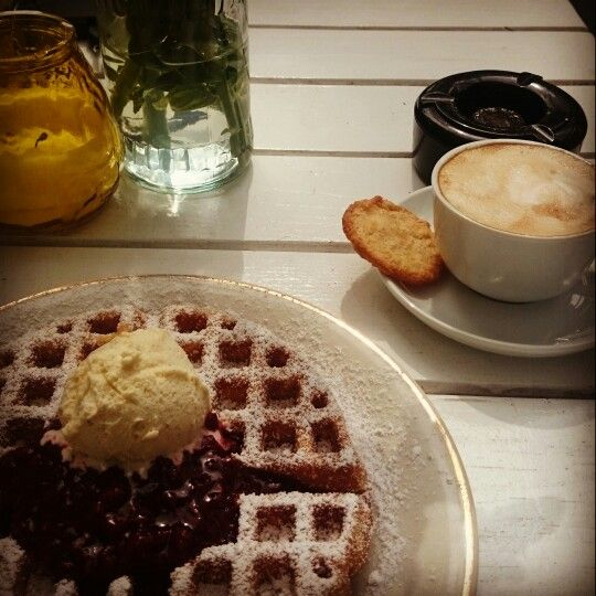 Best waffle at the salon Wechsel dich in hamburg. Always a good idea!