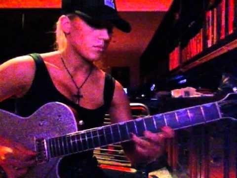 Laura Wilde playing Pseudo Echo 'Funky Town' guitar solo - YouTube