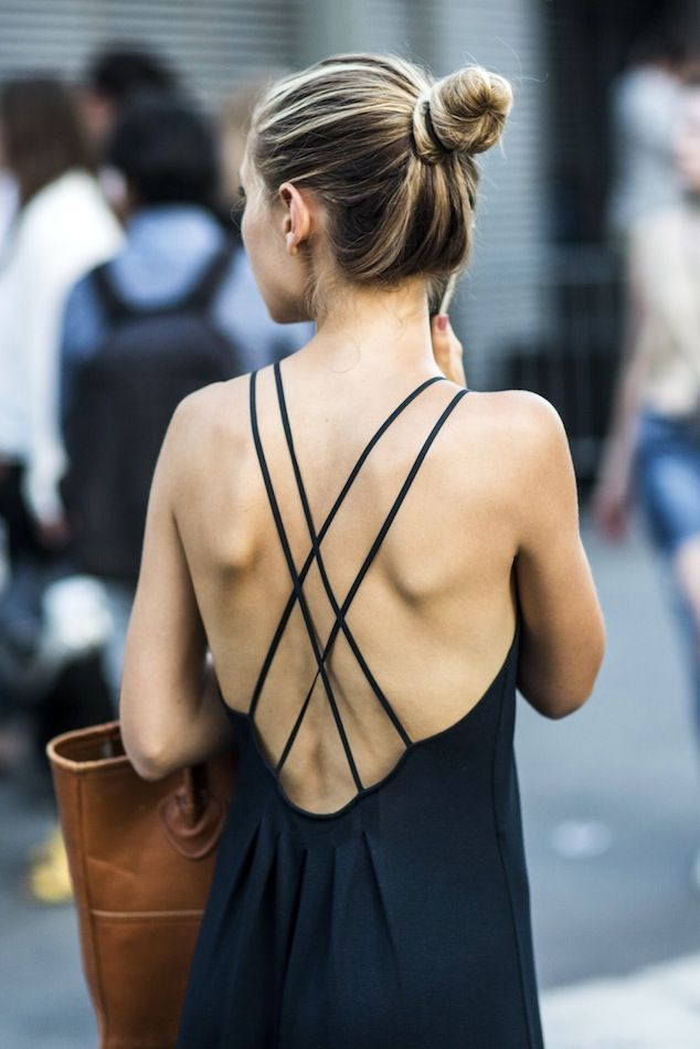 Get This Street Style Star's Effortless Cross Strap Back Look // Club Monaco Dress