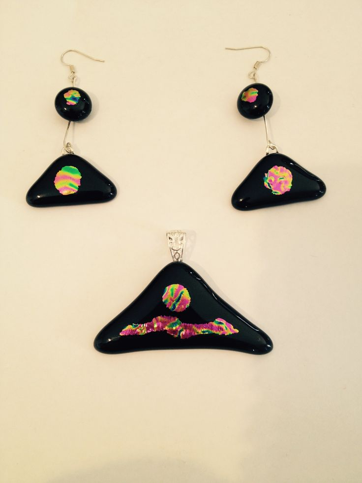 new (rainbow serpent) three pice pendant and earrings..