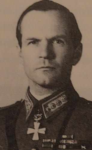 Hans Olof von Essen (1900-1973) Knight of the Mannerheim Cross No.30. Started his military career in the Finnish Civil War of 1918 and served most of his career in cavalry. Commanded 8th Division's 26th Infantry Regiment on the Karelian Isthmus during the Winter War. In Continuation War he commanded the Nyland Dragoon Regiment in offensive from Ladoga Karelia to Olonets, and later in defensive battles on the Karelian Isthmus and Ilomantsi. He was awarded the Mannerheim Cross on 22.10.1941.