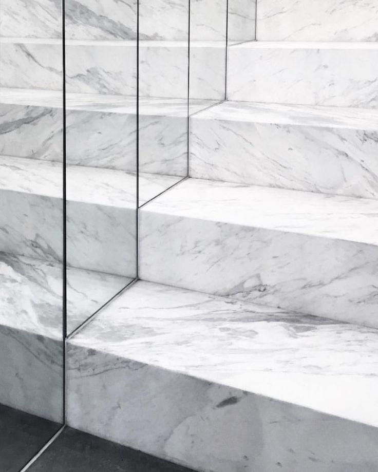 Escalier en marbre – découvrez comment en profiter dans votre espace de vie