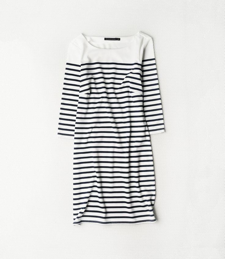Casual monochrome dress by Seppälä