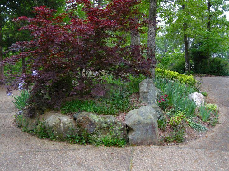 Pin by jina lange on circular driveway designs pinterest for Circular driveway landscaping pictures