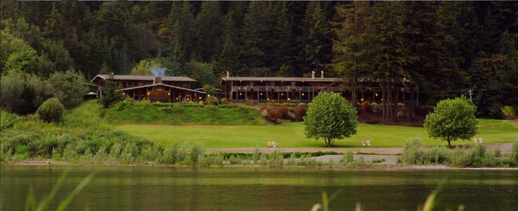 Tu Tu' Tun Lodge Nestled on the banks of the Rogue River, the dream was to create a place where people could escape to serenity, peace, share in good food & company while retiring to warmth, rest & comfort.