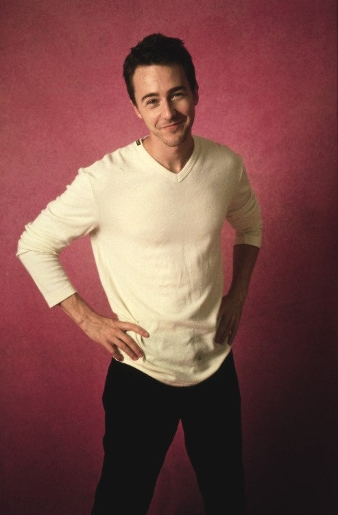 Dear Edward Norton, please marry me. <3  :P  If not, please remain healthy, beautiful, intense, brilliant, and talented!