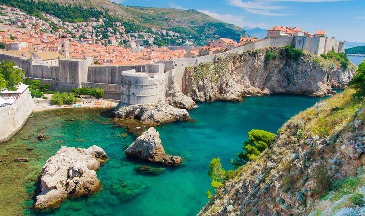 Popularnost Hrvatske kao turističke destinacije iz godine u godinu sve više raste i sve je više stranaca koji je odabiru kao mjesto za život, rad i odmor, pa je postojanje portala koji prenosi vijesti o zbivanjima u zemlji na stranom jeziku već postala nužnost. Novinski portal Croatia Week tako je jedan od vodećih medijskih izvora o Hrvatskoj na engleskom jeziku, koji pruža jedinstven uvid u suvremeni život naših sugrađana i olakšava održavanje veza s Lijepom našom svim zainteresiranim…