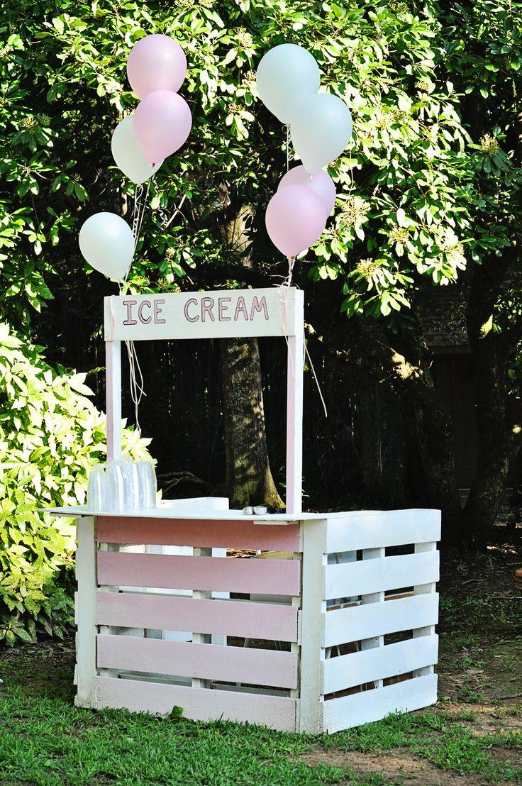 ice cream stand, Duncan Estate wedding www.DuncanEstate.com