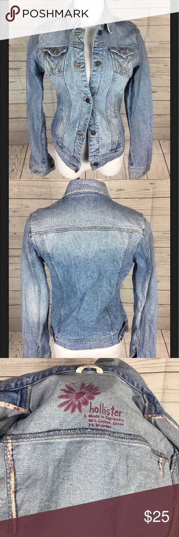 Hollister Jean Jacket size large Preowned Hollister Jean jacket size large. Perfect for spring Hollister Jackets & Coats Jean Jackets