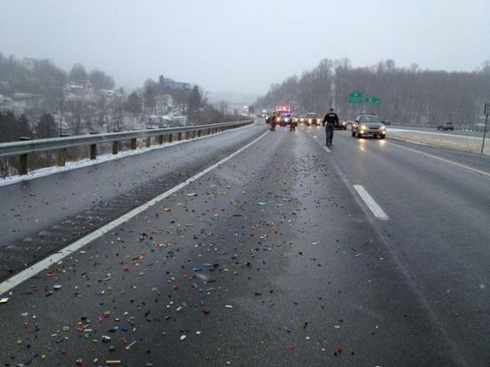 LEGO spill shuts down highway lane In West Virginia