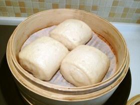 朝食~豆乳に中華饅頭(マントウ)