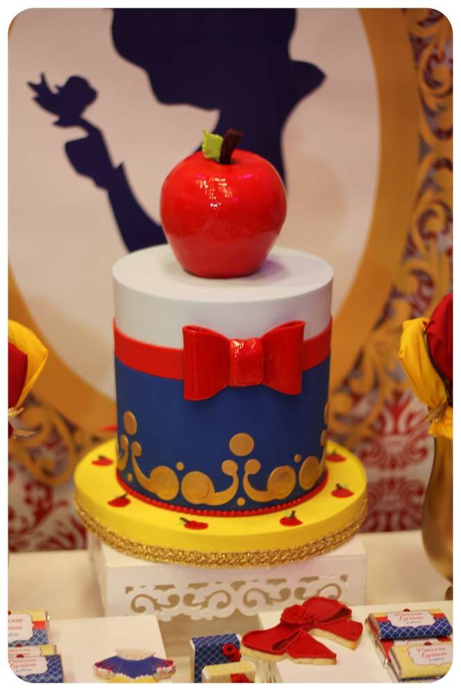 What a fantastic cake at a Snow White princess birthday party! See more party ideas at CatchMyParty.com!