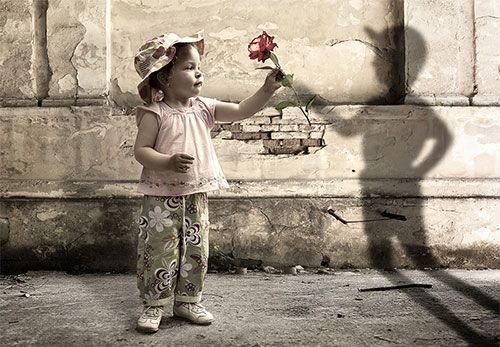 Bambini e amici immaginari: http://www.cavernacosmica.com/bambini-e-amici-immaginari/
