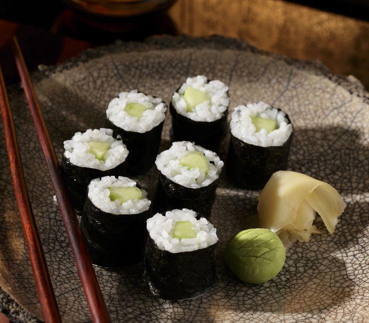 Die klassische Sushi-Rolle mit einer leichten Füllung aus Gurke.
