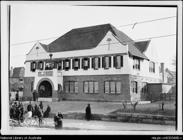 North Sydney Town Hall on the corner of McLaren and Miller Streets, Sydney, ca. 1930s.Photo from National Library of Australua.A♥W