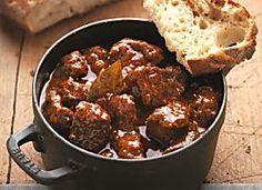 Ungarisches Gulasch mit Paprika und Majoran Rezept | Küchengötter