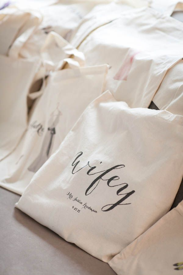 Wifey tote bag (Miki and Sonja Photography)