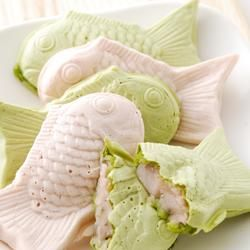 Popular of the white Taiyaki, we made in cherry sauce. Fabric also, Rashiku spring cherry flavor and green tea flavor. How in accompany of cherry-blossom viewing.