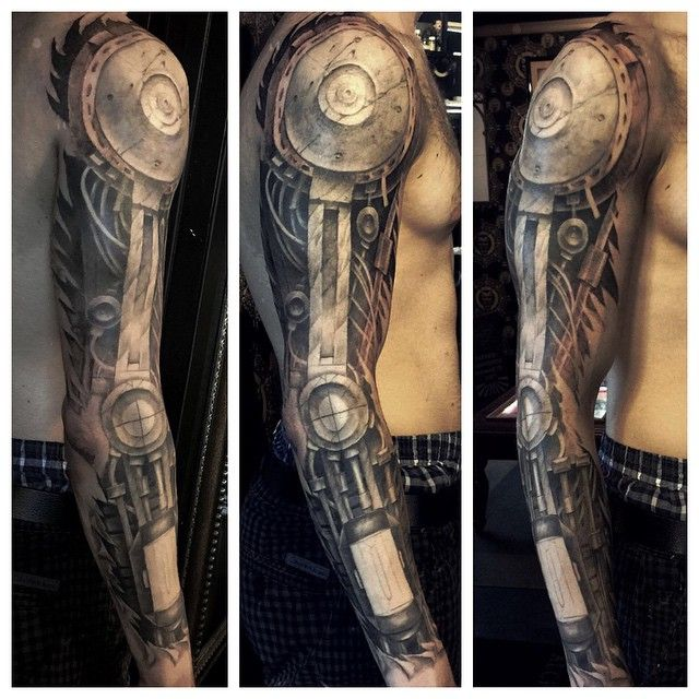 Did some more work on this. Lots more to go. In progress #newyorktattoo…